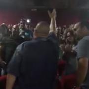 VIDEO: Multitud acepta a Dios en película de Héctor 'El Father'